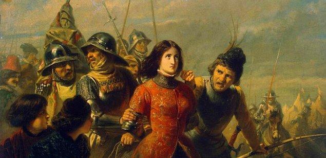 Engizisyon Jeanne d'Arc'ı dinsizlikle suçluyordu.