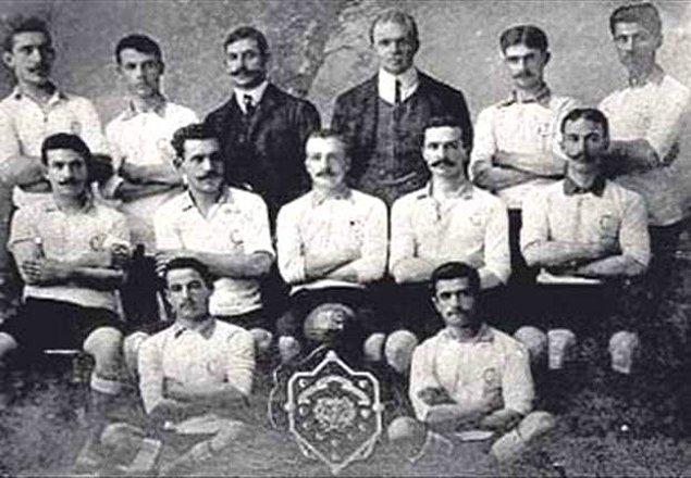 1. Türkiye'de ilk futbol maçı İzmir'de İngilizler arasında oynandı.