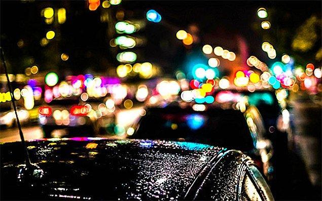 Öte yandan şehirler sıralamasında ABD'nin Los Angeles şehri yılda 104 saati aşan trafik sıkışıklığı ile zirvede yer aldı.