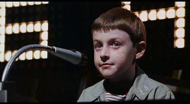 Küçük Adam Tate (1991)  6.6