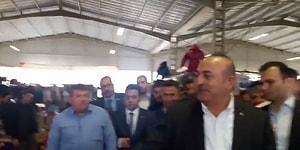 Sosyal Medyanın Gündemi: Pazarcı Pahalılıktan Yakınınca, Bakan Çavuşoğlu Dinlemeden Uzaklaştı