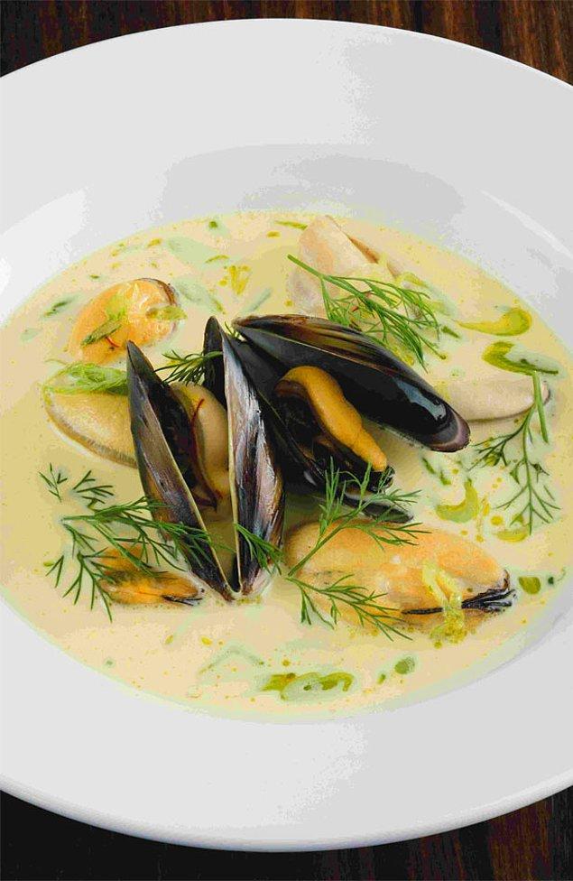 3. Gelelim midyenin krema kıvamında çorbasına!