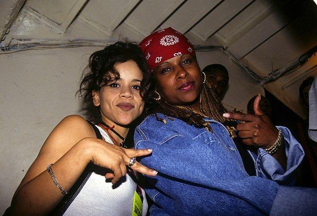 24. Rosie Perez ve Yo Yo Palladium'da kutlama yaparken, 1993.