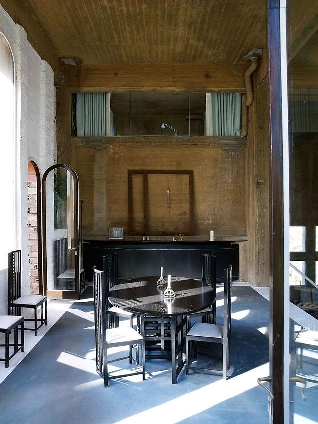 Mutfak ve yemek odası ise zemin katta ve ailenin buluşma noktası olarak kullanılıyor.