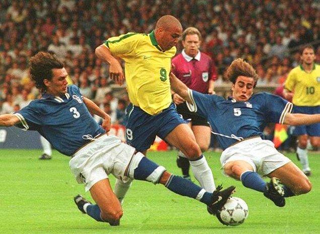 """10. Christian Vieri: """"Ronaldo gibi bir futbolcuyu bir daha izleyemezsiniz."""""""