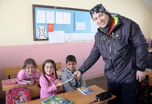 Köylerinde kitap okumanın mutluluğunu yaşayan çocuklar ise Yücel'e teşekkür ediyor. 😍