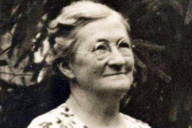 5. Mary Anderson (1866 - 1953)