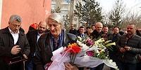 'Yolun Sonundayım' Diyen Efsane Öğretmene Göz Yaşartan 'Hababam' Sürprizi