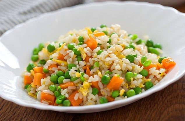 2. Pirinç pilavını zenginleştirin...