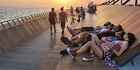"""İzmir'de Göz Kamaştıran Bir Tasarımla Yapılan """"Yaya Köprüsü"""" ve """"Gün Batımı Terası"""""""