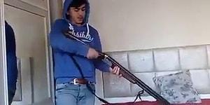 Boş Sandığı Silahla Artistlik Yaparken Duvarı Delen Genç