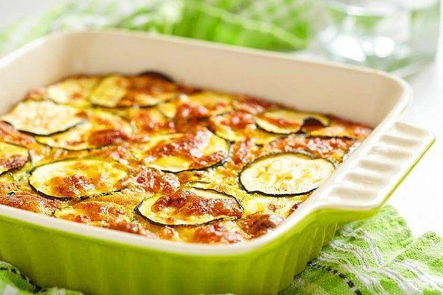 6. Patatesi bir kenara bırakalım kabaklı graten yapalım!