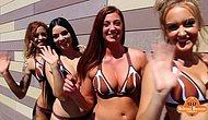 Baristalarının Bikinili Kadınlar Olduğu Kafe 1. Yılını Kutluyor!