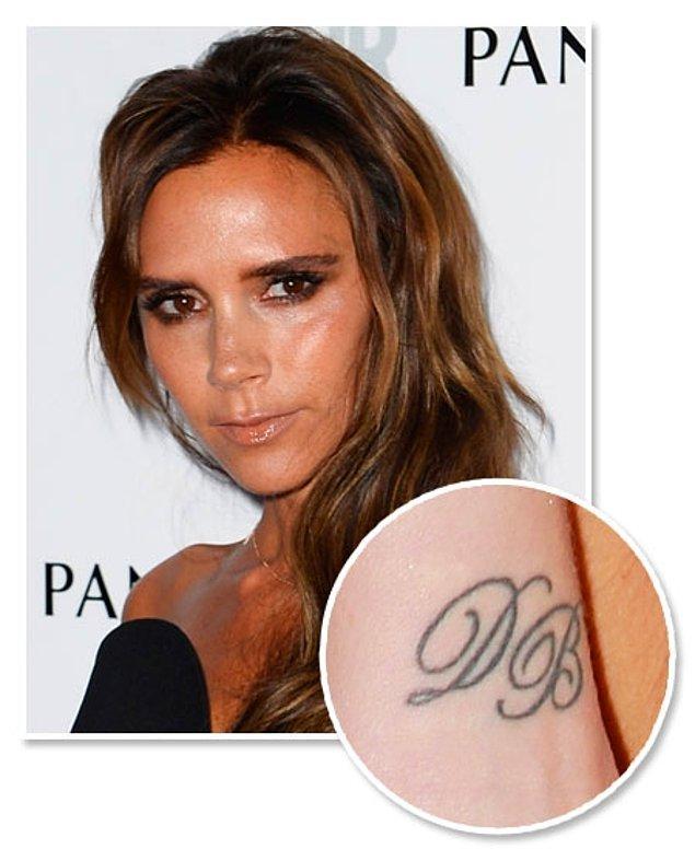 16. Victoria Beckham eşi David Beckham'a olan aşkını dövmeyle vücuduna kazıtmıştı.