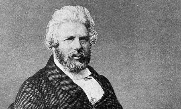 Evrim teorisiyle ilgili çalışmalarına Darwin'den önce başlayan bir başka isimse Robert Chambers adlı bilim insanıdır.