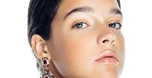 Yağlı Bir Cildin Varsa Bu 5 Makyaj Malzemesini Mutlaka Edinmelisin