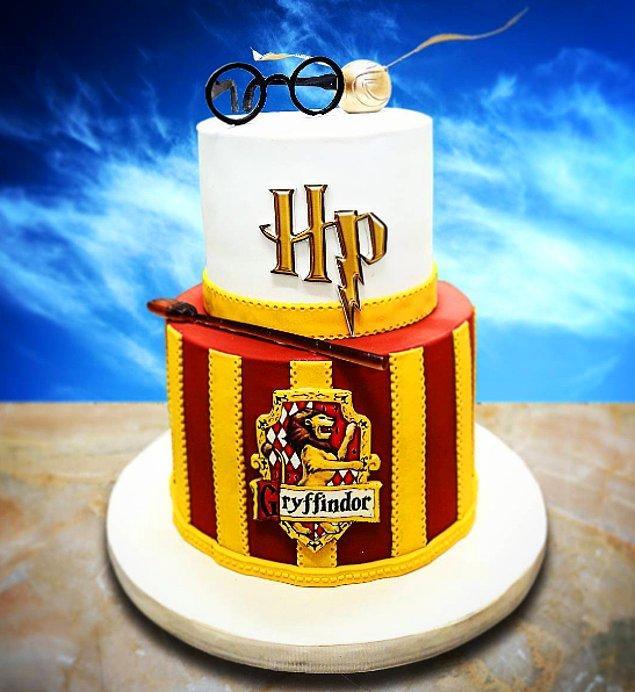 10. Harry Potter ✨🤓