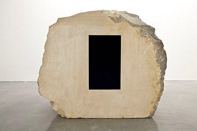 Black 2.0 ulaşılabilir en derin siyah olma özelliğini koruyor.