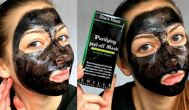 2. Daha sonra sıra siyah maskeye geldi. Bundan birkaç yıl önce de pembe maske vardı hatırlarsanız.