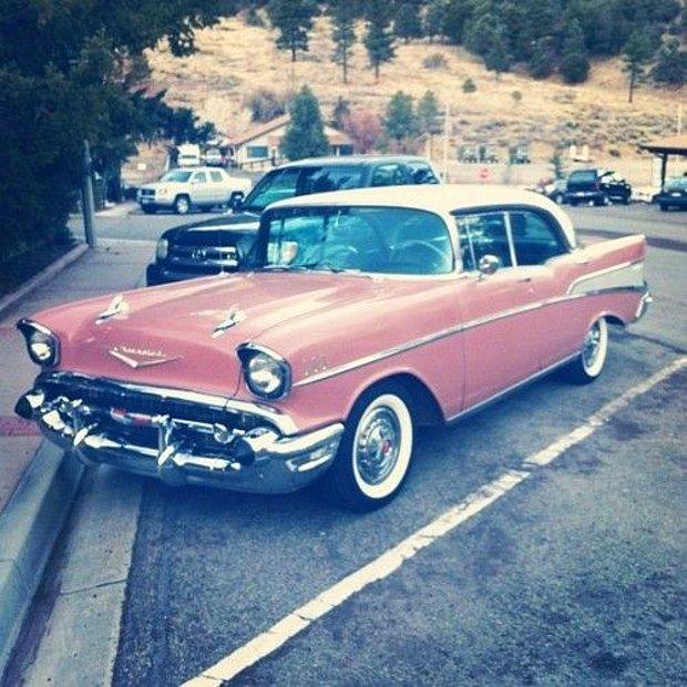 Nostaljik bir Araba