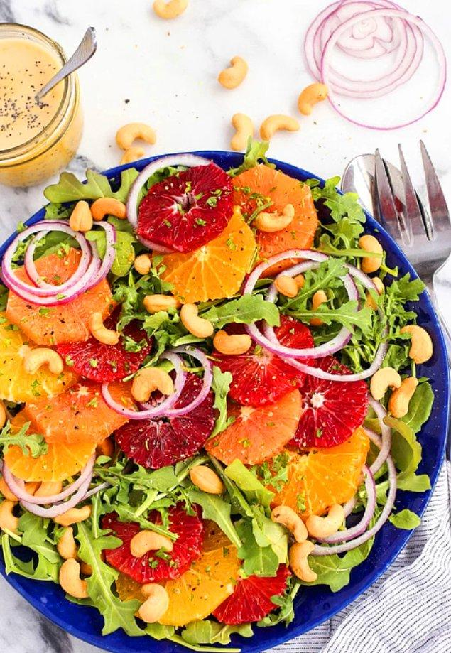 3. Bu salata bildiğiniz meyve salatalarından değil.