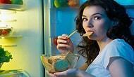 Yatağı Bırakıp Soluğu Buzdolabının Başında Almak: Gece Yemek Yeme Sendromu