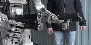 Rusya, İnsansı Askeri Robotu 'FEDOR'u Tanıttı