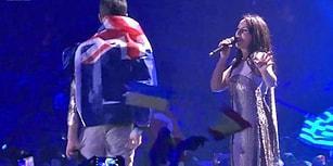 Eurovision'da Avustralyalı Bir Adam Jamala'nın Şarkı Söylediği Sırada Sahneye Çıkarak Soyundu!