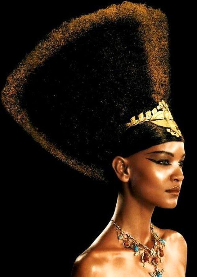 6. Akhenaton'un tek eşi Nefertiti değildi.