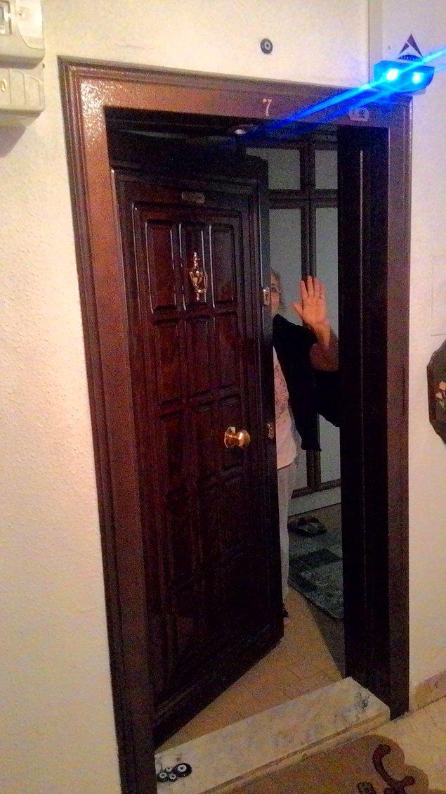 12. Misafirleri yolcu ettikten sonra ev sahibinin kapıyı kapatma zamanlamasını iyi seçmesi