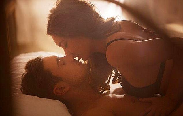 Cinsel Sağlık İncelemeleri bilimsel dergisine göre tipik bir orgazm bütün vücut ve pelvis bölgesinde hissedilen, ayrıca sıvı salgılanımının olduğu, kalp atışlarının ve kan basıncının yükseldiği bir durum.