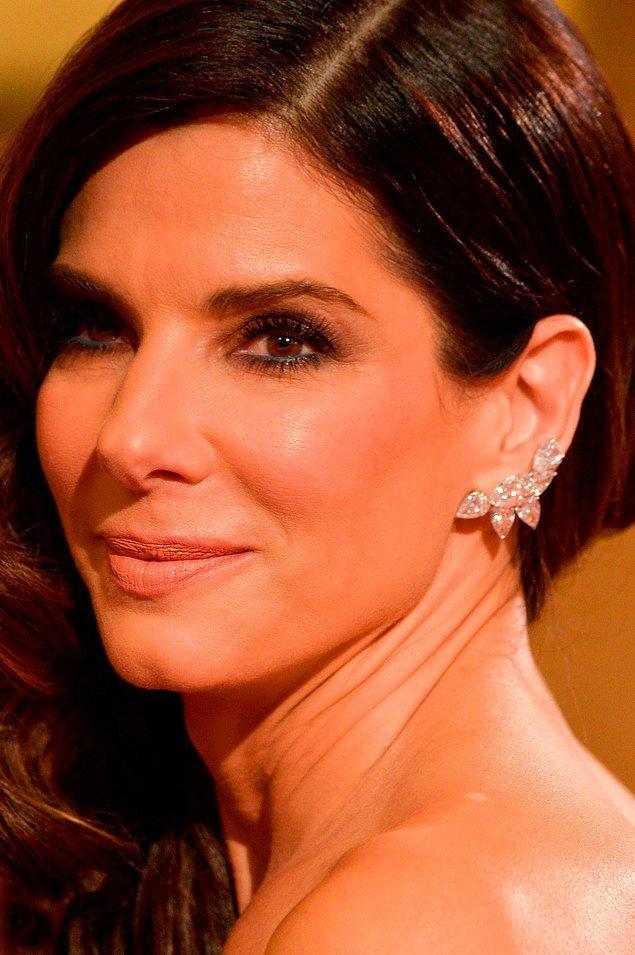 7. Sandra Bullock ise daha bizden: Göz kremi yerine hemoroid merhemi kullanıyor!
