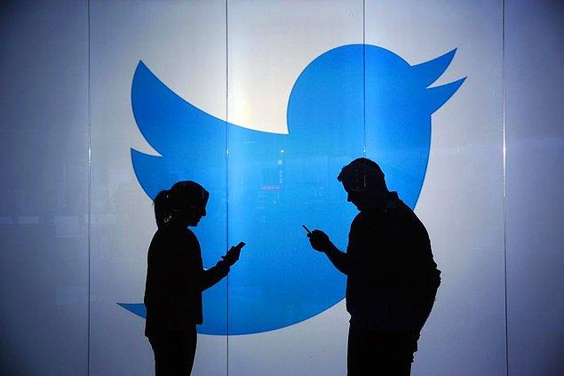 Twitter kullanıcıları #AnıtkabireDokunma etiketi ile iddialara tepki gösterdi.