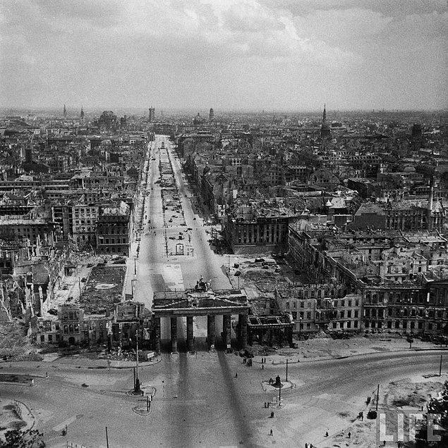 2. 2. Dünya Savaşı sonrası Berlin manzarası, Temmuz 1945.