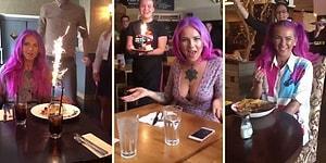 Garsonlara 'Bugün, Onun Doğum Günü' Deyip Fake Doğum Günü Kutlatan Adamdan Efsane Troll