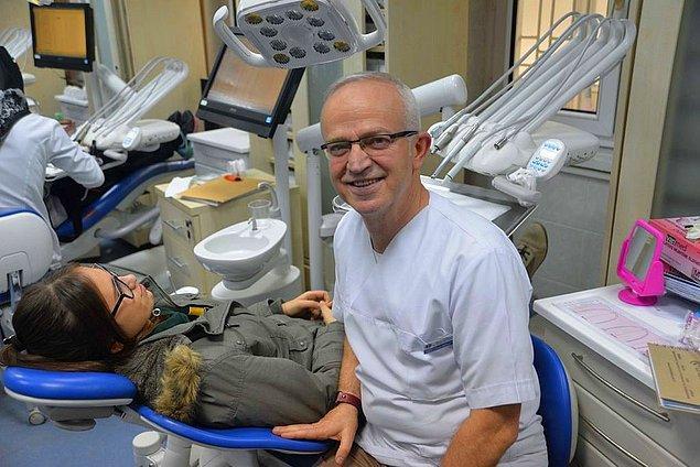 11. Bitirdiği 3 üniversitenin ardından bu eğitim yılı sonunda diş hekimliği hayalini gerçeğe dönüştüren 58 yaşındaki emekli öğretmen Özcan Özgürbüz.