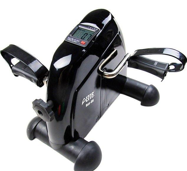 9. Editörlük masa başında oturup kalmak demek; Gökhan'ın bu duruma çözümü ise Altis Run On motorsuz kondisyon bisikleti oldu.