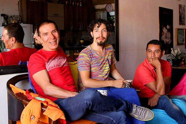 Üçlü medeni birliktelik hem Kolombiya hem de dünya için bir ilk ancak resmi olarak evlilik sayılmıyor.