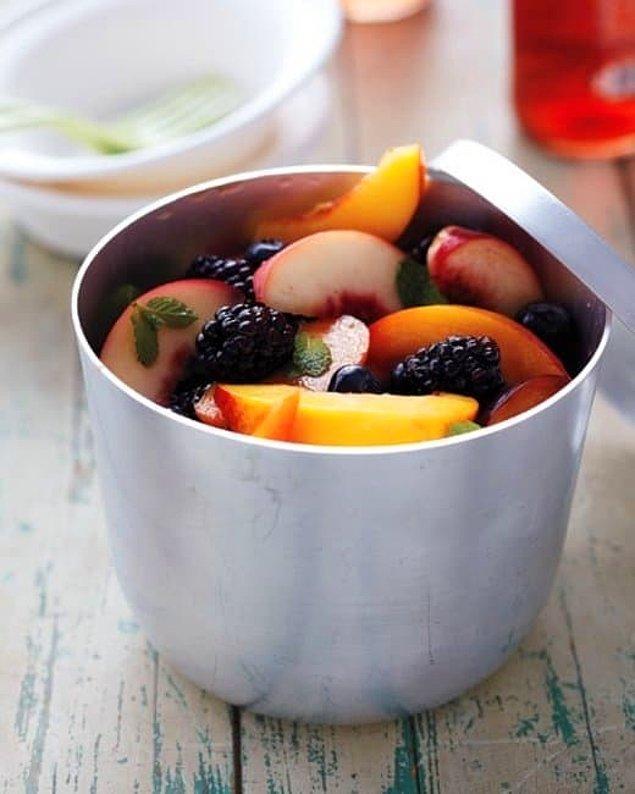 Ya da en temel sos olarak: asidik meyve suyu + bal + taze ot üçlüsünden yardım alabilirsiniz.