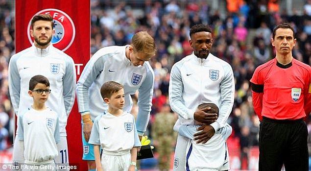 7. İngiltere Milli Takımı'nın maskotu seçildi ve futbolseverler gördükleri her yerde bu cesur ufaklığa destek verdi.