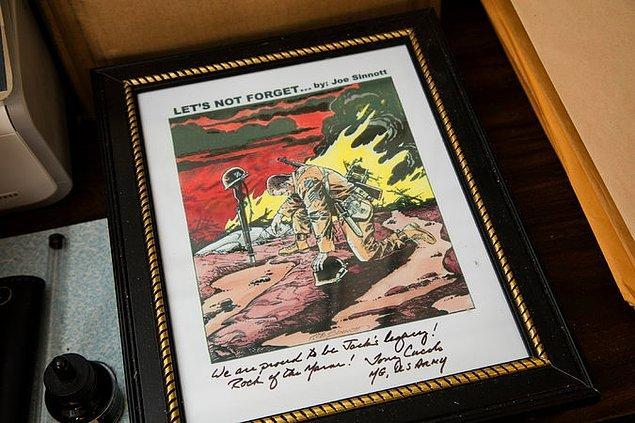 Bu çizimi 1944 yılında İkinci Dünya Savaşı'nda kaybettiği erkek kardeşinin anısına yapmış.