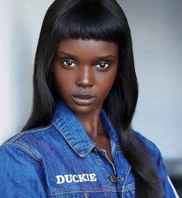 Duckie artık 21 yaşında ve kariyerindeki başarıdan ilk yudumları alıyor diyebiliriz. 😍🥂