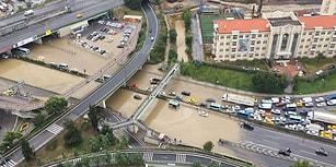 Sanki Gök Delindi: İstanbul Şiddetli Yağmura Teslim, Araçlar Yollarda Mahsur Kaldı ☔️
