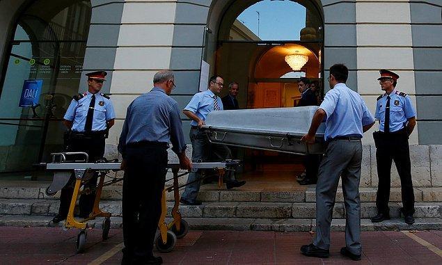 """Dali'nin cenazesini mumyalayan Narcis Bardalet Guardian'a konuştu: """"Bıyığı hala bozulmamış. Bu bir mucize"""""""