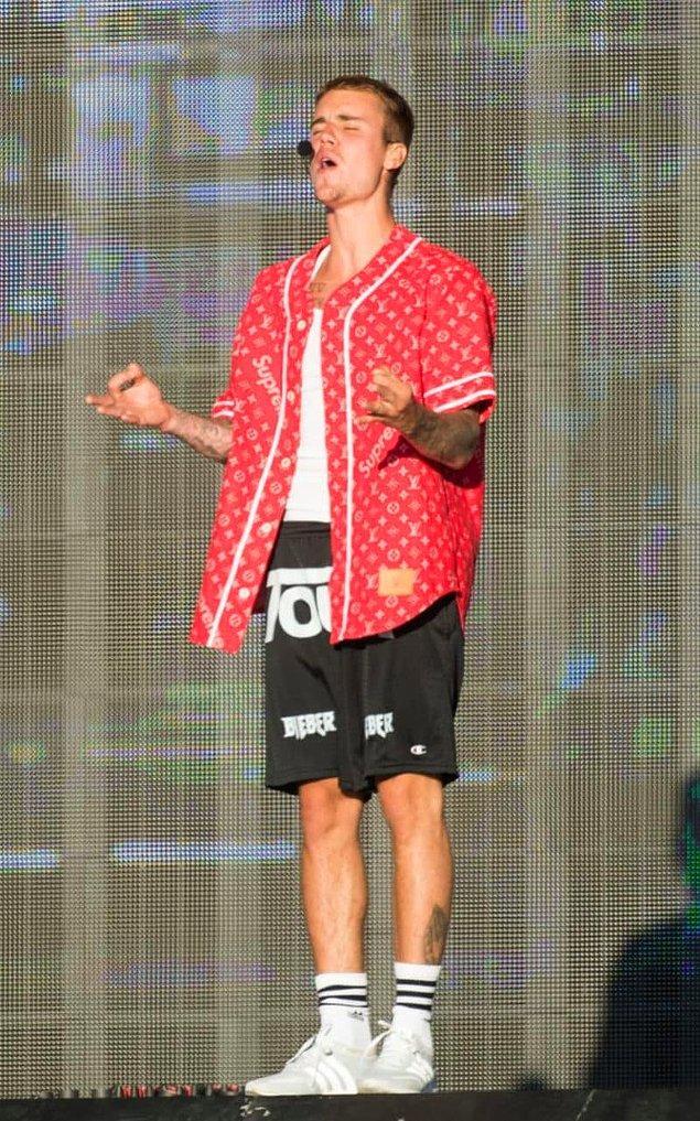Kültür dairesi Bieber hayranına verdiği