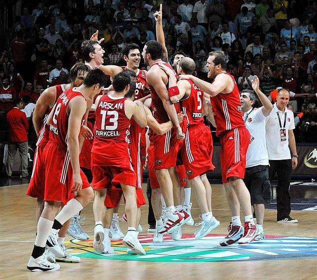 8. A Milli Takım'ın Dünya Basketbol Şampiyonası'nda gümüş madalya alması.