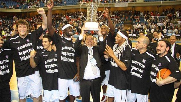 10. Beşiktaş'ın Eurochallange Kupası'nı kazanarak dikkatleri basketbolun üzerine çekmesi.