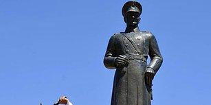 Siverek'te Bir Kişi 'Dinimizde Putperestlik Yoktur' Diyerek Atatürk Heykeline Saldırdı
