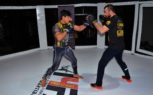 MMA Yalova İl Temsilcisi ve Kadir Dalkıran'ın antrenörü İbrahim Yıldız ise başarının tesadüf olmadığın vurguluyor 👊