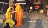 Nepal'de Bülent Ersoy'u Buda Zannedip Ayağına Kapandılar!